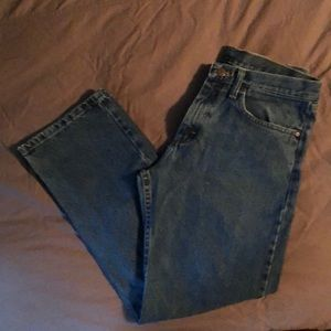 Like New 32X30 Wrangler Mens Relaxed Fit Jeans